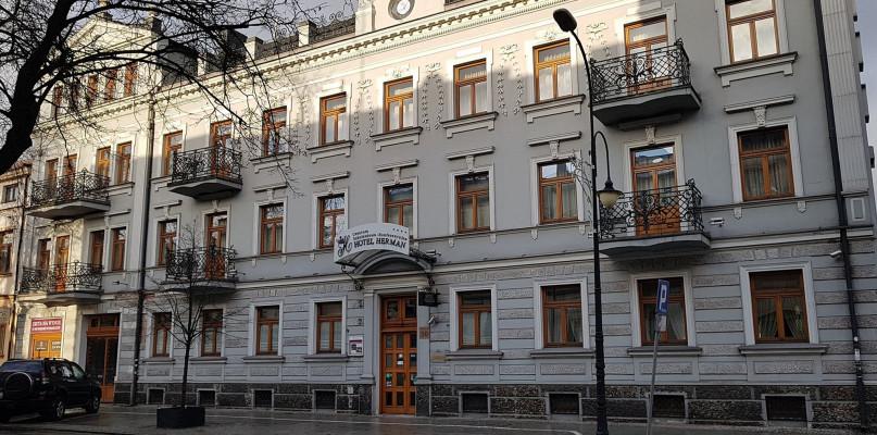 Zawieszają działalność. Hotel w centrum Płocka w restrukturyzacji - Zdjęcie główne