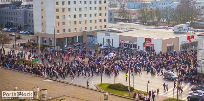 W niedzielę ograniczenia w ruchu. Ulicami Płocka przejdzie orszak Trzech Króli - Zdjęcie główne
