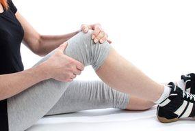Czym jest woda w kolanie? Czym się objawia i jakie mogą być jej powikłania? - Zdjęcie główne