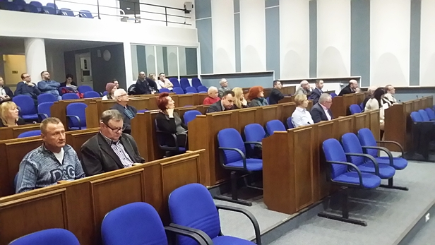 Burzliwa dyskusja nad projektem MdM - Zdjęcie główne