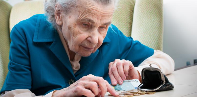 Dzisiejsi 30-latkowie na emeryturze będą żyli w biedzie? Wyliczenia nie pozostawiają złudzeń - Zdjęcie główne