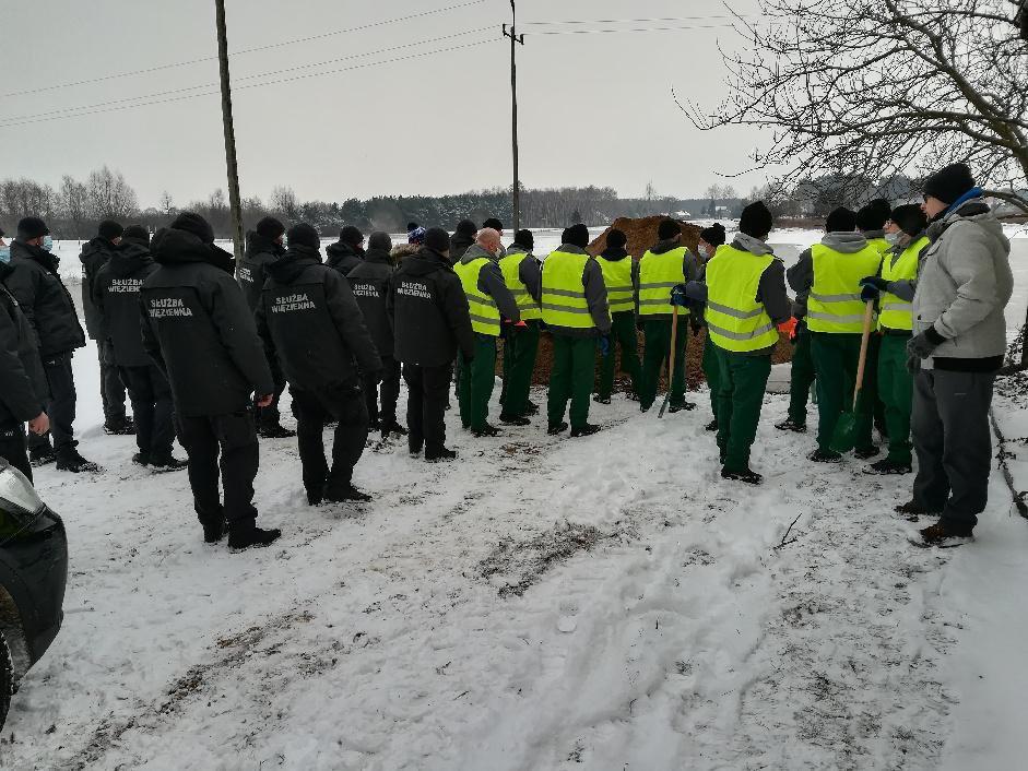 Osadzeni pomagają walczyć ze skutkami powodzi. – W tej sprawie zadzwoniłem do ministra Ziobry - Zdjęcie główne