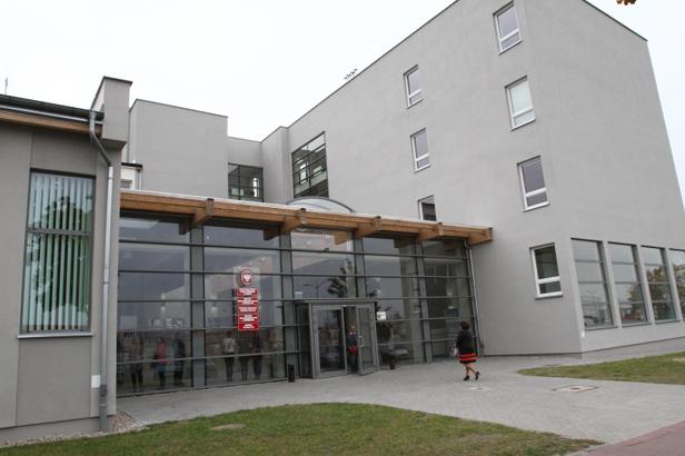 Nowe gmachy uczelni przyjęły żaków [FOTO] - Zdjęcie główne