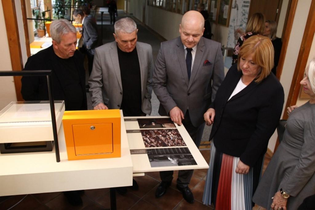 Z Europejskiego Centrum Solidarności do Płocka - Zdjęcie główne