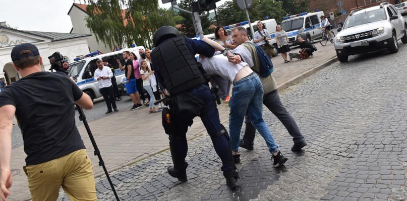 Sobotni Marsz Równości. Policja zatrzymała dwie osoby - Zdjęcie główne
