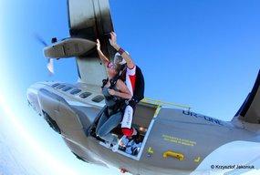 Skok spadochronowy bez szkolenia? To możliwe! - Zdjęcie główne