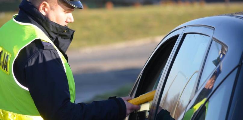 W poniedziałek wzmożone kontrole policyjne na drogach - Zdjęcie główne