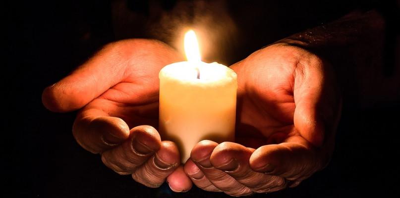 W piątek ważna rocznica. Zachęcają do ustawienia przy oknach zapalonych świec - Zdjęcie główne