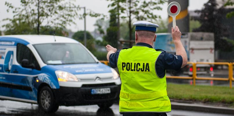 """Policjanci rozpoczynają akcję """"Znicz"""". Potrwa kilka dni - Zdjęcie główne"""