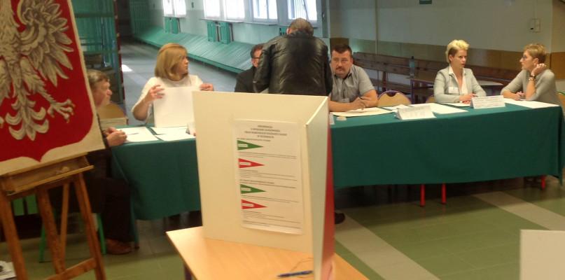Wybory. Frekwencja aż 40 proc. w komisji na Międzytorzu - Zdjęcie główne