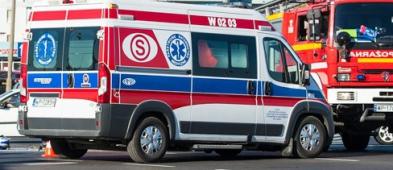 Zderzenie aut na rondzie. 10-miesięczne dziecko w szpitalu - Zdjęcie główne