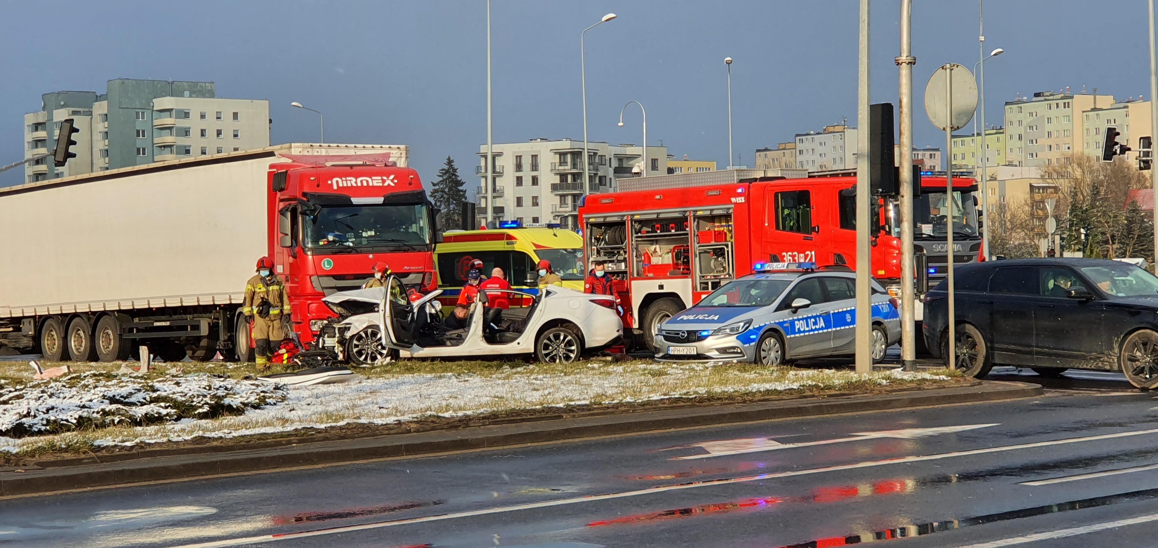 Wypadek okazał się tragiczny. Nie żyje 64-letnia pasażerka  - Zdjęcie główne