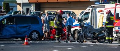 Wypadek na Podolszycach. Motocyklista w szpitalu - Zdjęcie główne