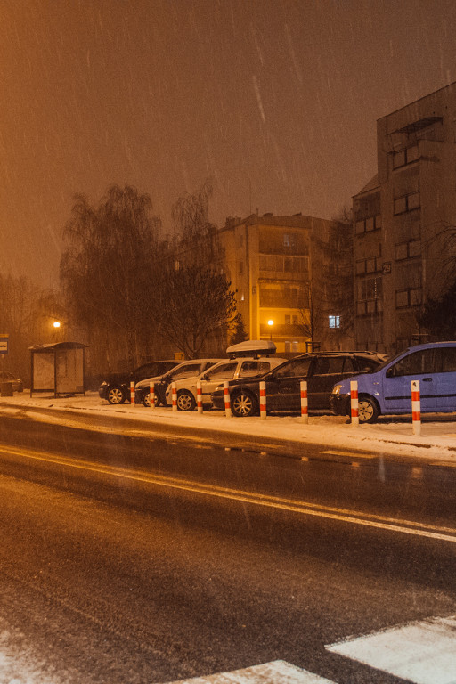 Problem parkingowy na Podolszycach - Zdjęcie główne