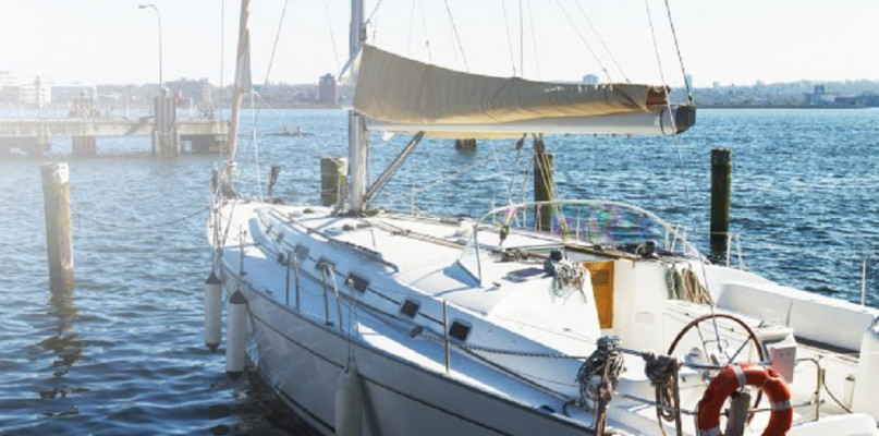 Czarter jachtu - zaplanuj chwilę relaksu na wodzie - Zdjęcie główne