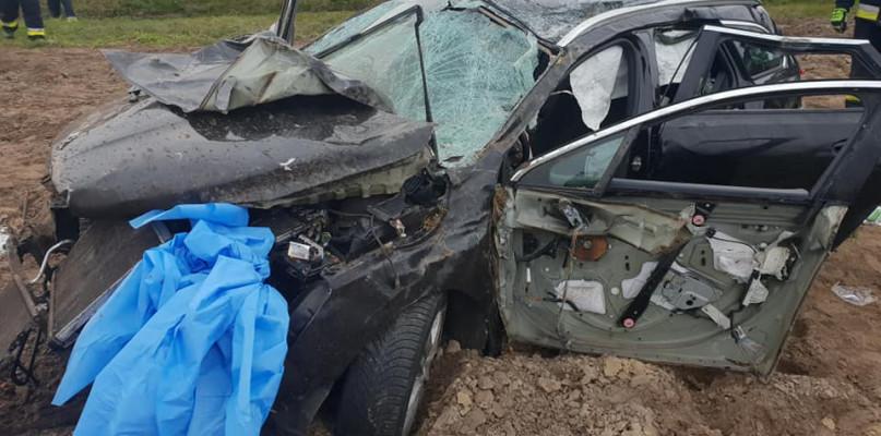 Niebezpieczny weekend na drogach. Trzy wypadki, pięć osób w szpitalu - Zdjęcie główne