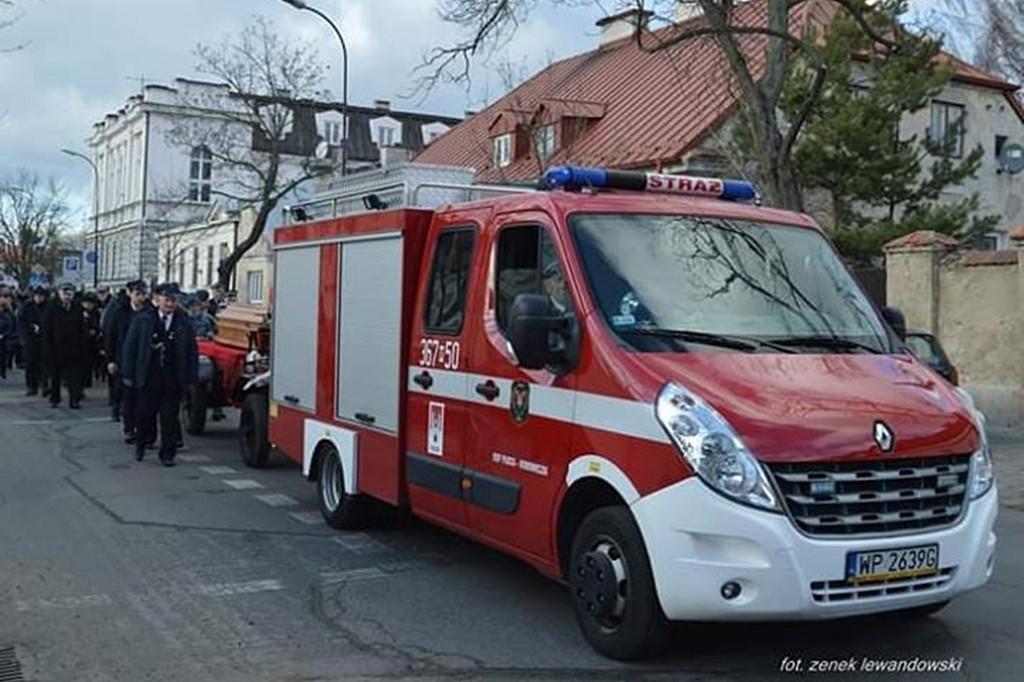 Strażacy i rodzina pożegnali zmarłego druha - Zdjęcie główne