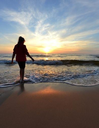 Zalety urlopu w sezonie niskim. Jesień nad morzem jest piękna - Zdjęcie główne