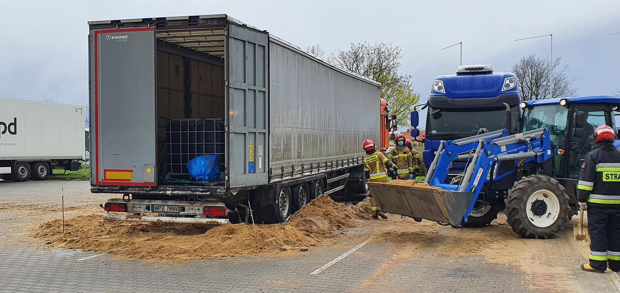 Podejrzani o podrzucenie ciężarówki z kwasem zatrzymani - Zdjęcie główne