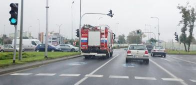 Wyłączony jeden pas ruchu w stronę Podolszyc. Na miejscu są strażacy [FOTO] - Zdjęcie główne