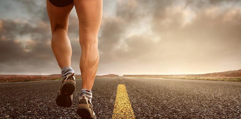 Odzież sportowa i jej znaczący wpływ na aktywność fizyczną - Zdjęcie główne