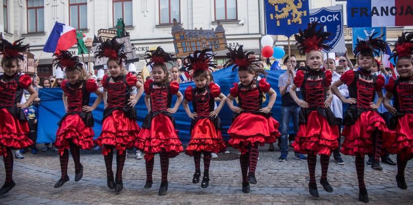 Przez centrum Płocka przeszła Parada Europejska [FOTO, WIDEO] - Zdjęcie główne