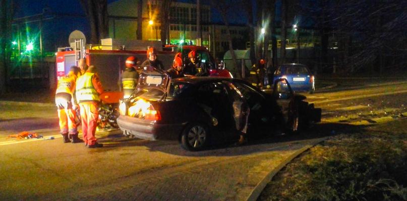 Zderzenie samochodów. Dwie osoby w szpitalu - Zdjęcie główne