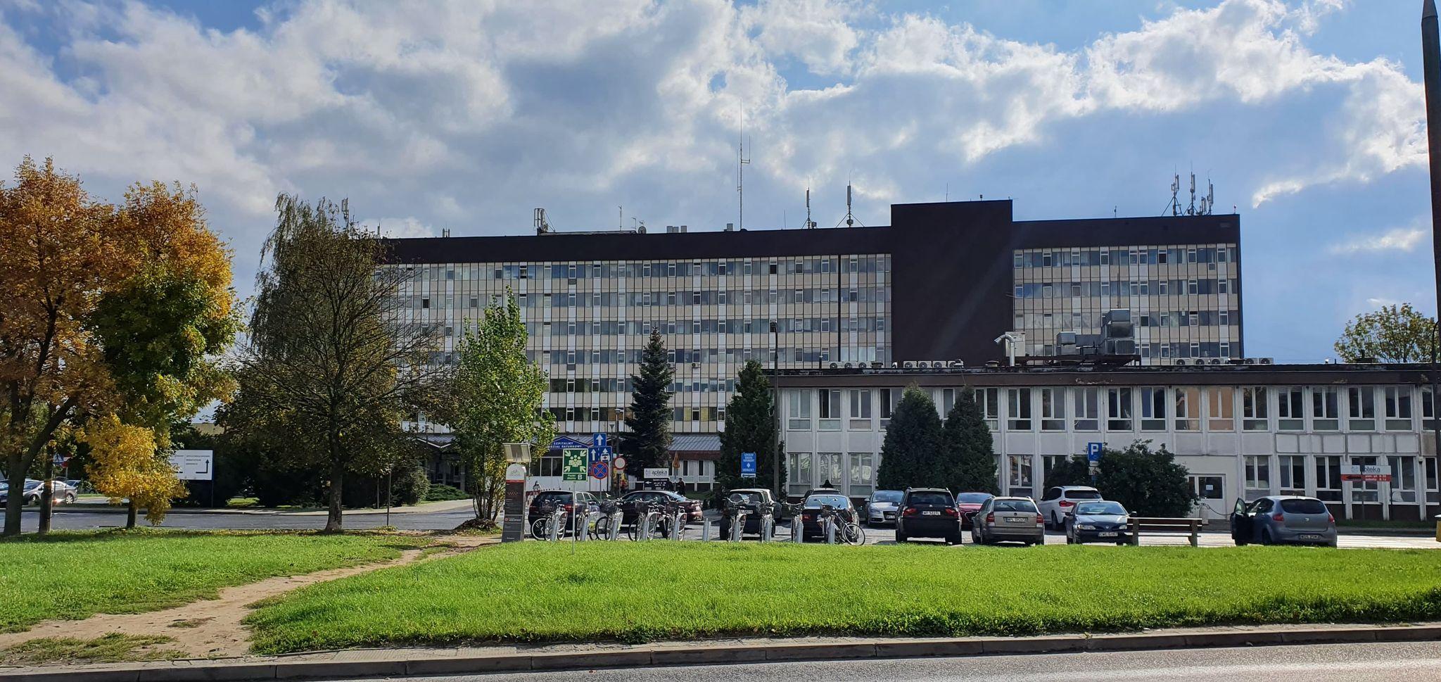 Coraz więcej pacjentów z Covid-19. W 2020 roku na Winiarach zmarło 208 zakażonych osób - Zdjęcie główne