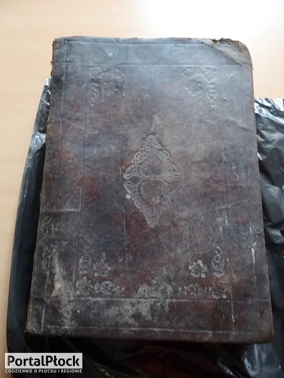 Skarby znalezione w ziemi - Zdjęcie główne