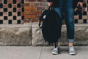 Jakie buty spakować do walizki? - Zdjęcie główne