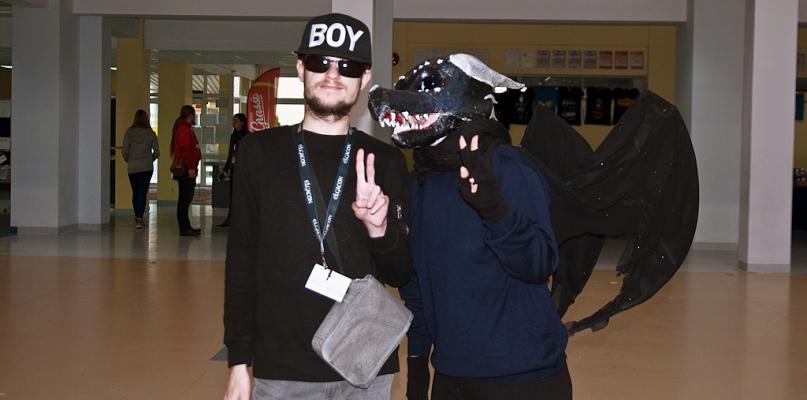 W szkole chodzili w maskach, mieli nawet wielkiego pająka [FOTO] - Zdjęcie główne
