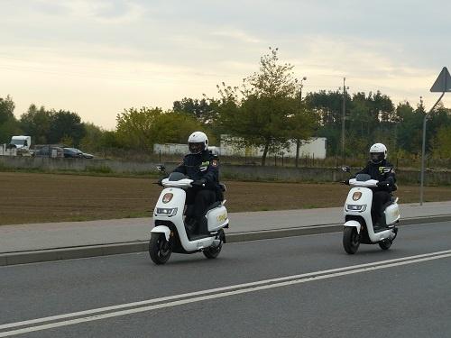 Strażnicy miejscy na skuterach. Patrolują Płock i okolice [ZDJĘCIA] - Zdjęcie główne