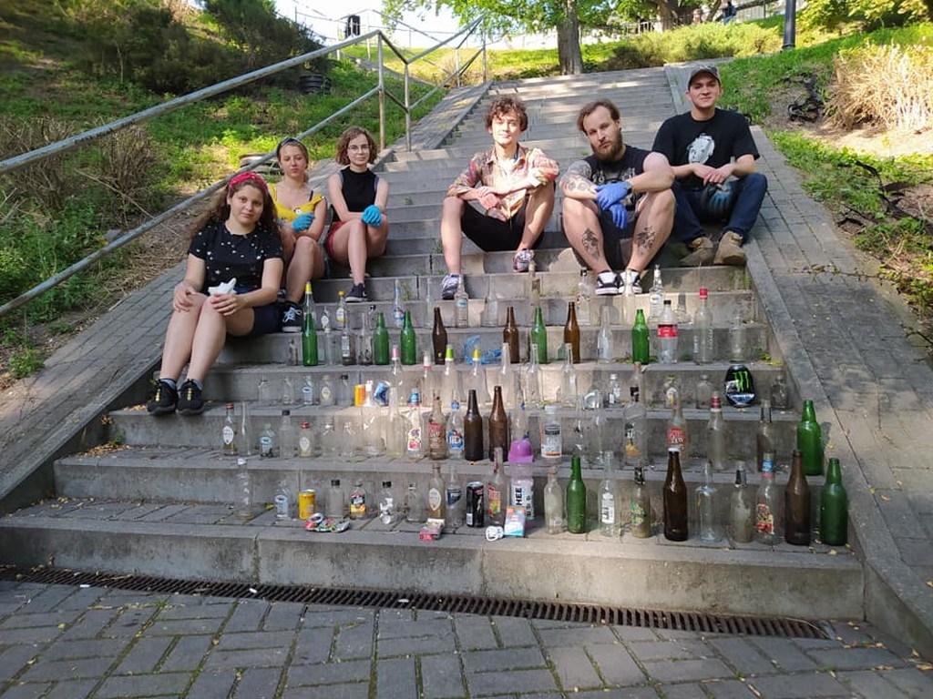 Fotopułapki na śmieciarzy w Płocku. Kary do 500 zł - Zdjęcie główne