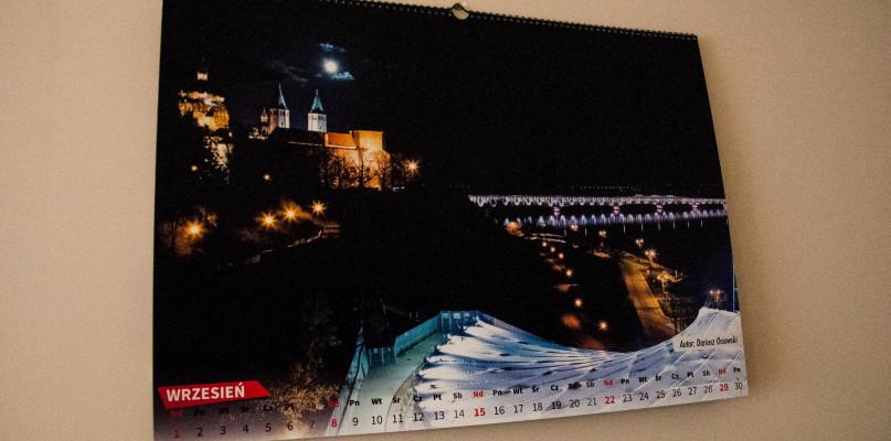 Fotografują Płock od 10 lat. Powstał urokliwy kalendarz - Zdjęcie główne