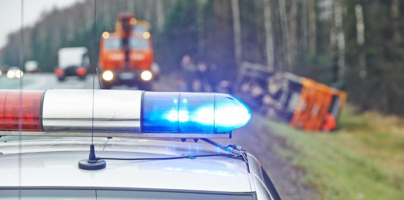 Wypadek pod Płockiem. Kierowca trafił do szpitala - Zdjęcie główne