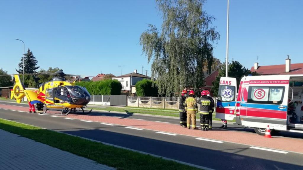 Tragiczne wypadki z udziałem dzieci. 11-latek jadącym Junakiem zdarzył się z Fiatem. Mimo wysiłku lekarzy zmarł - Zdjęcie główne