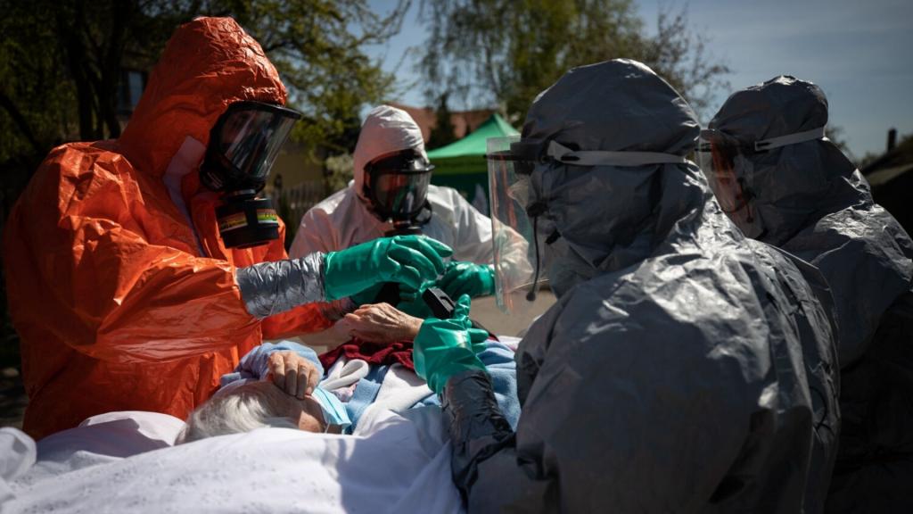 W Polsce znowu ponad 500 nowych zakażeń koronawirusem. W Łódzkiem dwa zgony [PEŁNY RAPORT] - Zdjęcie główne