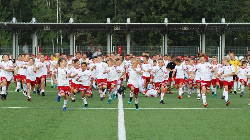 """W. Stawowy: """"Piłkarzy należy wychowywać we własnym klubie"""" - Zdjęcie główne"""