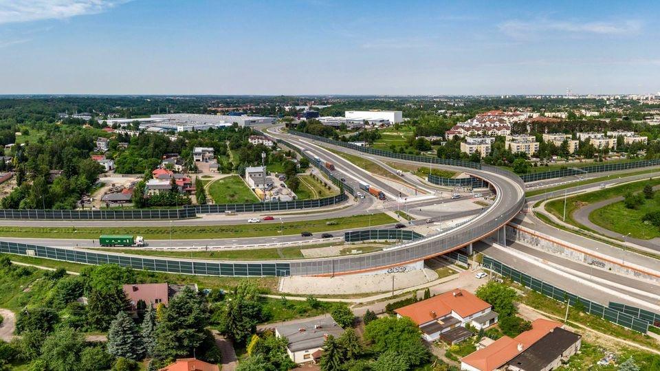 Brakuje 7 km do ukończenia budowy Trasy Górnej i wyprowadzenia tranzytu. Jakie są przeszkody? - Zdjęcie główne