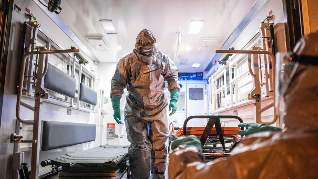 Nawrót koronawirusa w Łódzkiem? 52 zakażonych i 5 zgonów. 371 przypadków w Polsce [RAPORT] - Zdjęcie główne