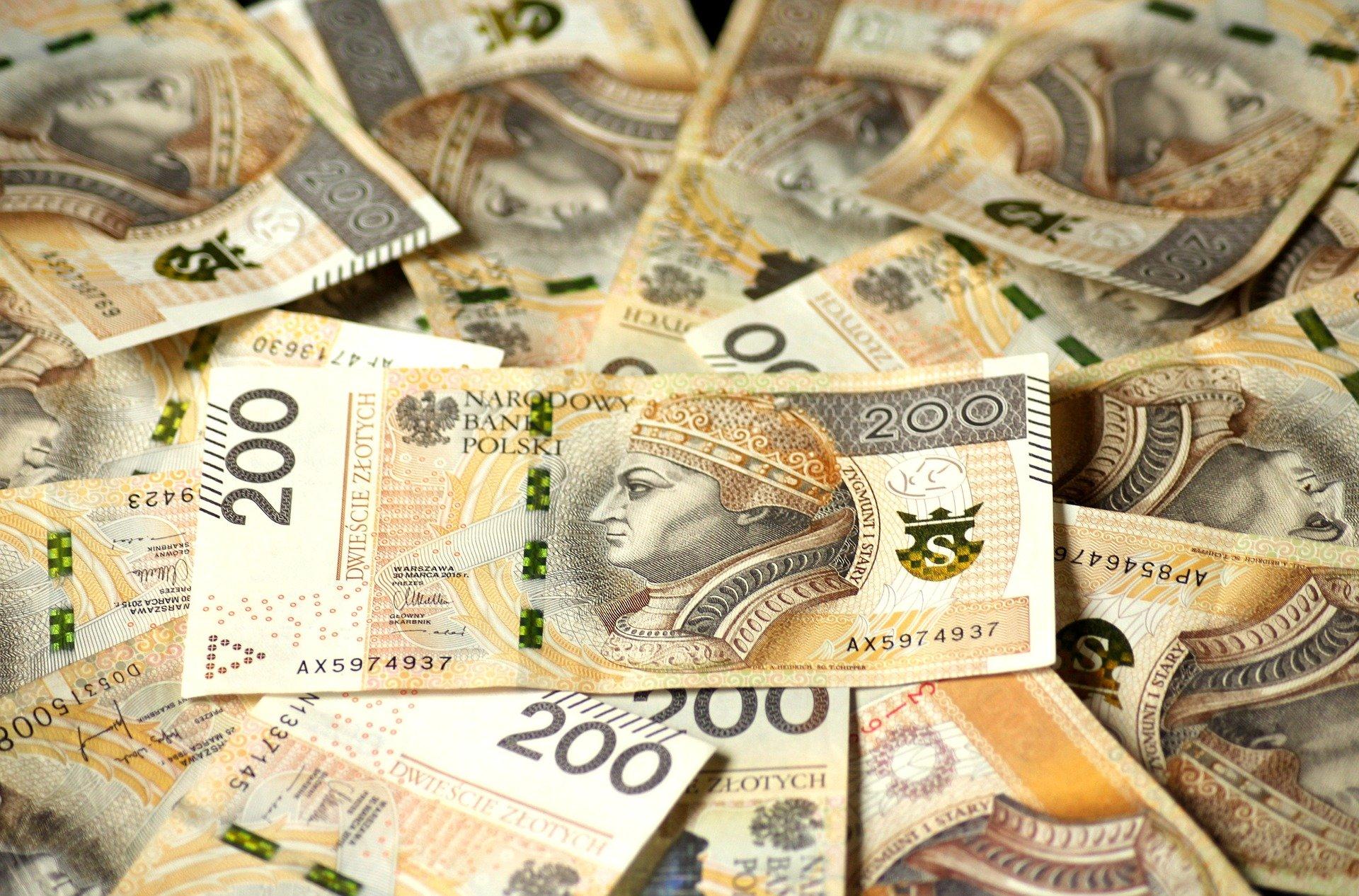"""Czy banknot 1000 zł pojawi się w Polsce? """"To zupełnie niepotrzebne"""" - Zdjęcie główne"""