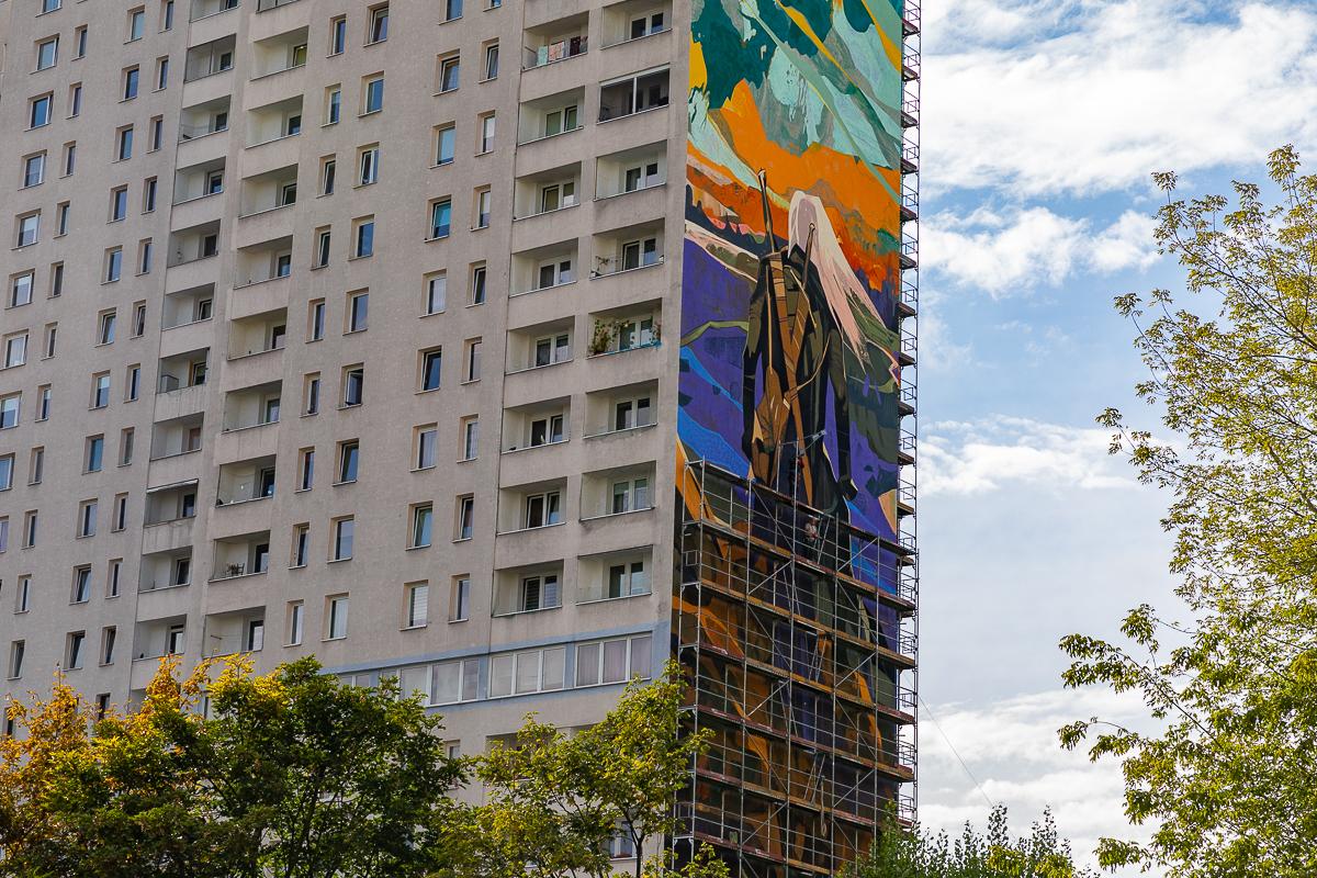 Czy łodzianom podoba się mural z wiedźminem? Opinie są podzielone [zdjęcia]  - Zdjęcie główne