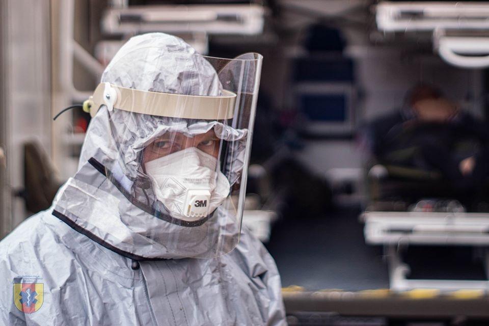 Szczyt epidemii koronawirusa dopiero przed nami? Eksperci ostrzegają  - Zdjęcie główne
