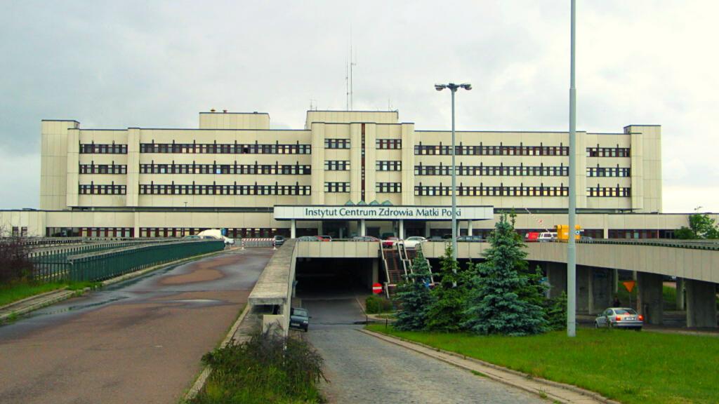 Ogniska koronawirusa na trzech oddziałach Centrum Zdrowia Matki Polki - Zdjęcie główne