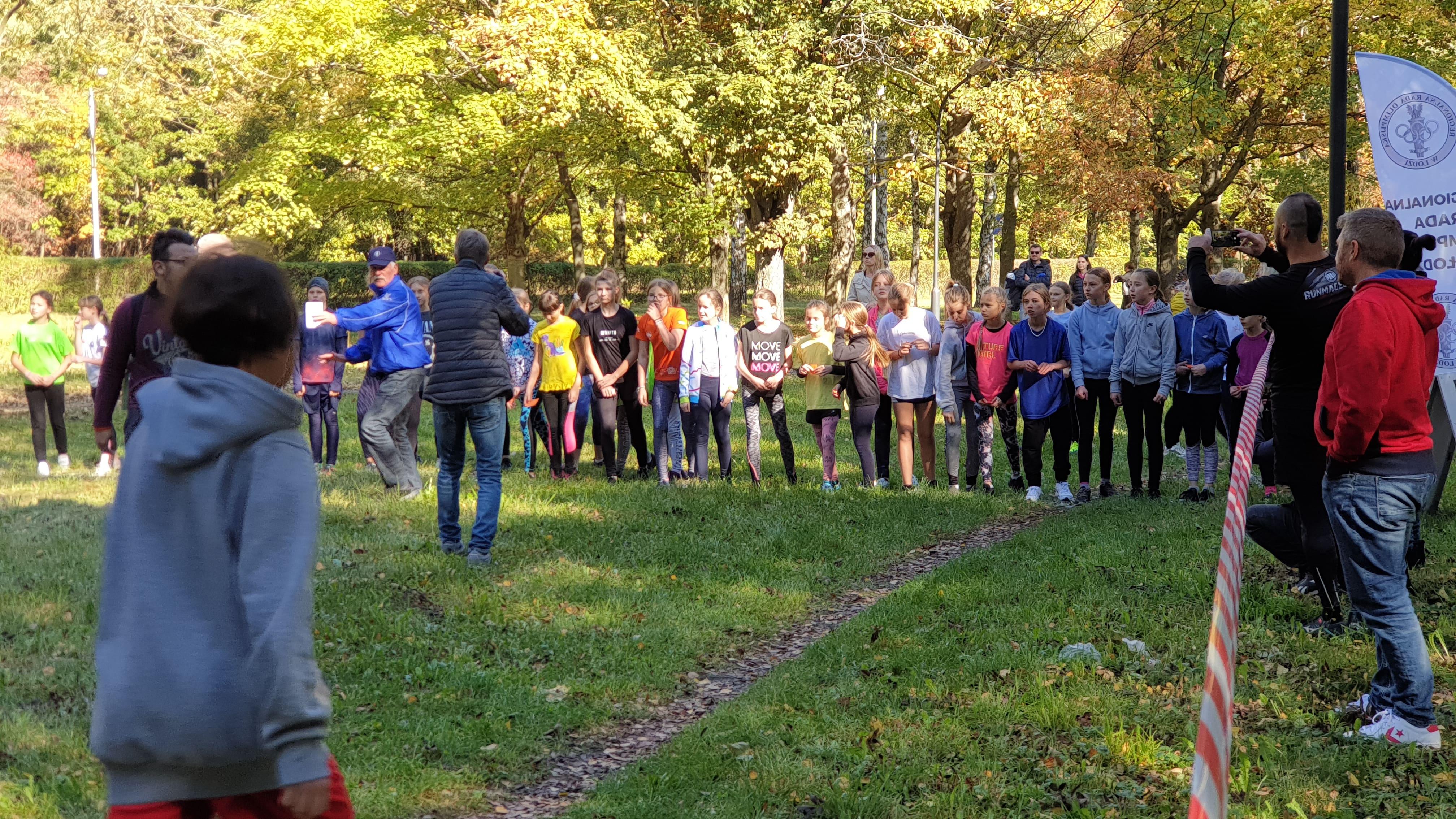 XIII Bieg Olimpijczyków w Łodzi. Rywalizacja i dobra zabawa w parku im. Baden Powella [zdjęcia] - Zdjęcie główne