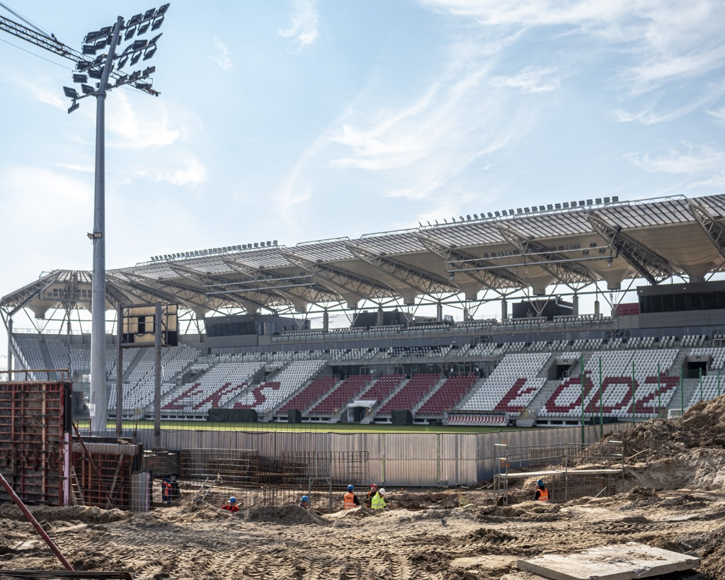 Koronawirus nie zatrzymuje prac na stadionie ŁKS-u [WIDEO | ZDJĘCIA] - Zdjęcie główne