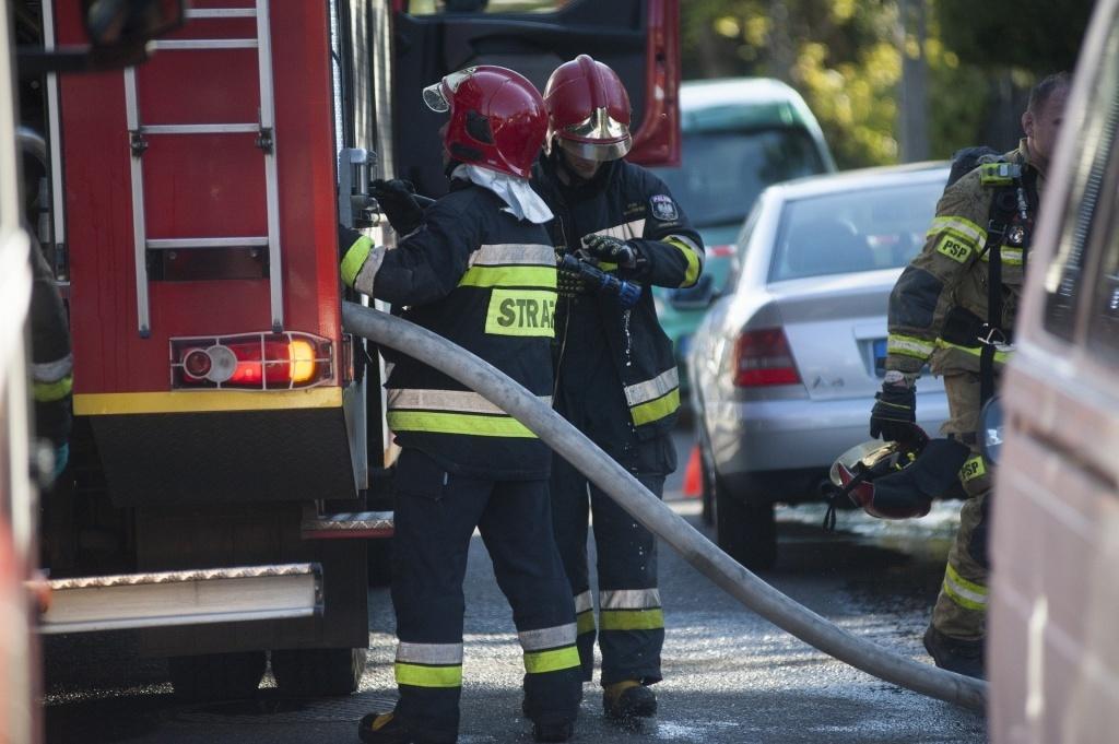 Pożar w kamienicy przy ulicy Wojska Polskiego. Są ranni - Zdjęcie główne