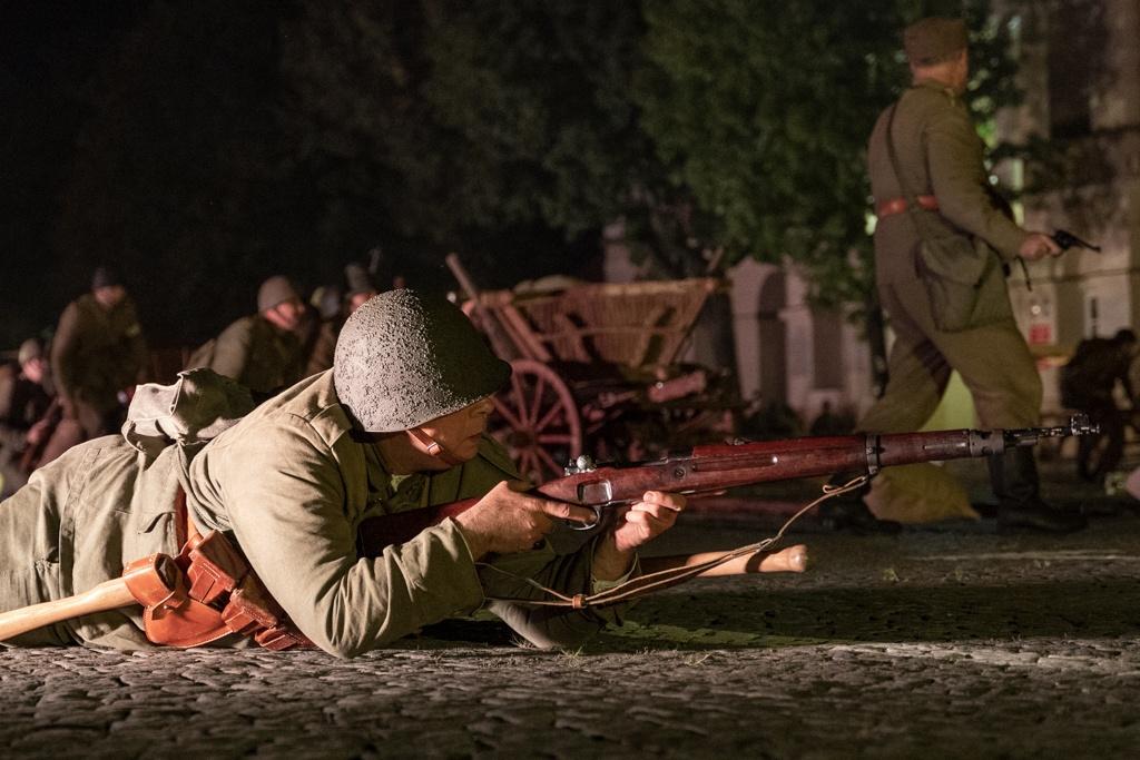 Bitwa o Łowicz. Inscenizacja wydarzeń na Starym Rynku [zdjęcia] - Zdjęcie główne