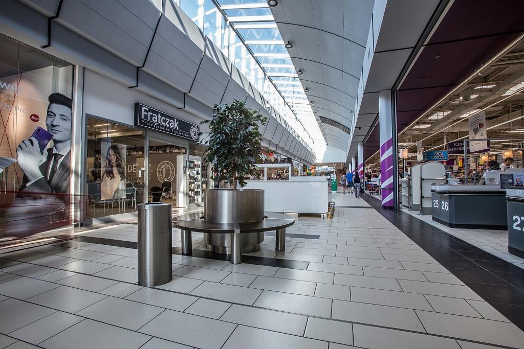 Czy to koniec sklepów Carrefour? Dwie duże sieci mogą się połączyć - Zdjęcie główne