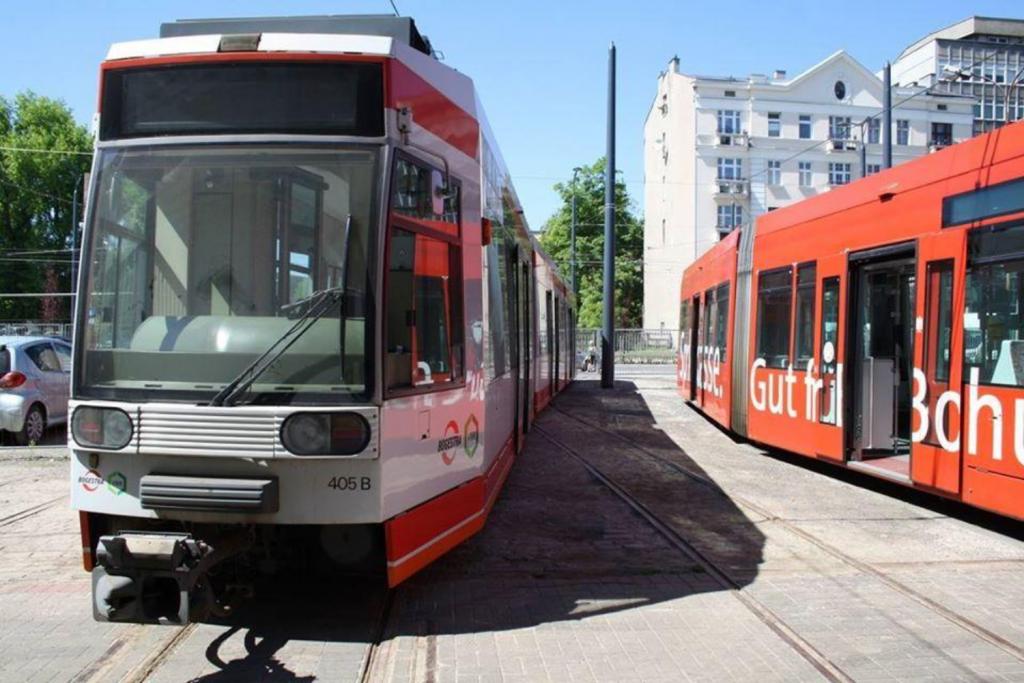 Kolejna dostawa wagonów NF6D do Łodzi – niemal 30-letnie maszyny powiększą łódzką flotę tramwajową - Zdjęcie główne